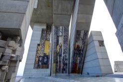 Monument in Sjoemen ter ere van 1300 jaar Bulgarije. Het mozaïek is wel 540m2