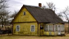 Bijna alle huisjes hebben asbest op het dak.